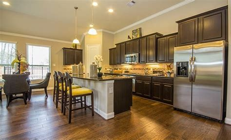 Kitchen: Lakeside & Stonewall Collection, Lennar Homes in
