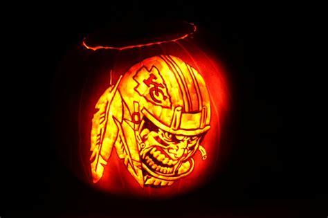 pumpkin carving kansas city chiefs pumpkin