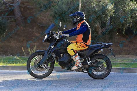 Ktm Adventure 790 Spied New Ktm 390 Adventure And 790 Adventure In Secret