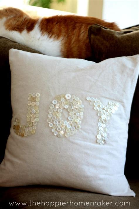 cozy diy christmas pillow tutorials   melt  heart  imagine daily dose