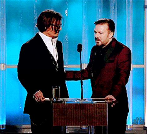 Johnny Depp Grabs 2 Golden Popcorns At The 2008 Mtv Awards by Johnny Depp S En Jette Un Coup Aux Golden Globes 2012