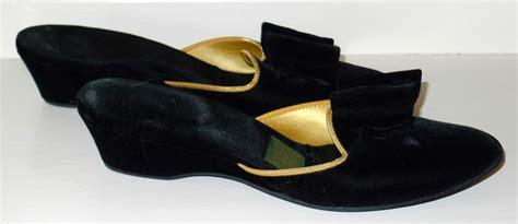 gold bedroom slippers vintage velvet bedroom slippers daniel green black bows gold