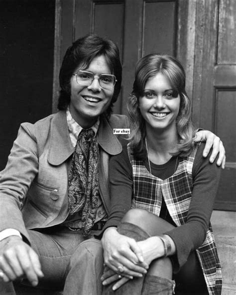 olivia newton john and cliff richard 1000 images about everything 70s on pinterest mary