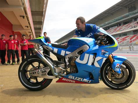 Motorrad Online Shop Test by Suzuki Motogp Bike 2015 Test Motorrad Fotos Motorrad Bilder
