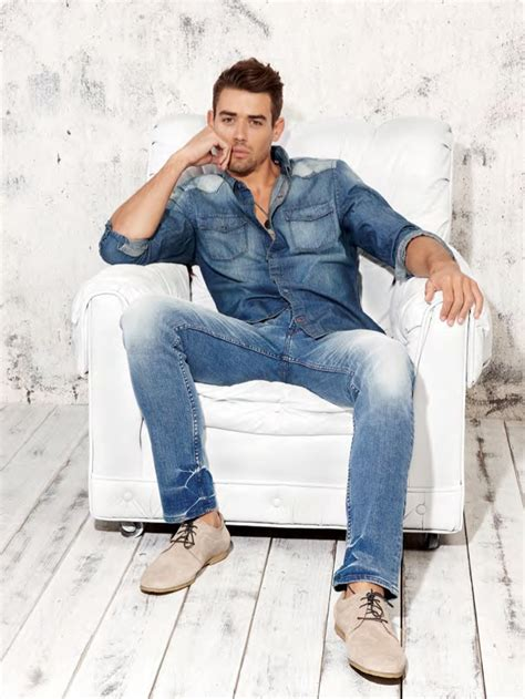 are jean jackets in style for spring 2014 newhairstylesformen2014 denim on denim men s style for summer wardrobelooks com