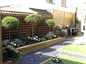 Landscaping Ideas Elevated Flower Beds The 25 Best Ideas About Raised Flower Beds On