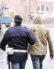 questura di bergamo ufficio stranieri falsi permessi di soggiorno 5 arresti a bergamo