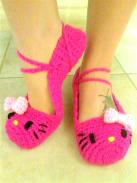 hello kitty house shoes boots 1000 images about crochet sanrio on pinterest