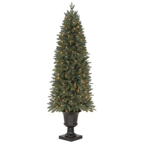 6 ft meadow potted artificial christmas tree with 200