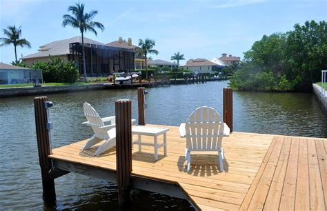 Cottage Docks by Vacation Rental Home Vanderbilt Fl Pet Friendly