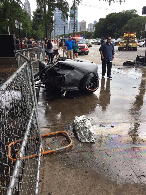 crashed lamborghini huracan lamborghini huracan driver saved seconds before wrecked
