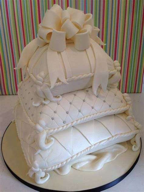 Wedding Cake Pillow by Best 25 Pillow Wedding Cakes Ideas On Pastel