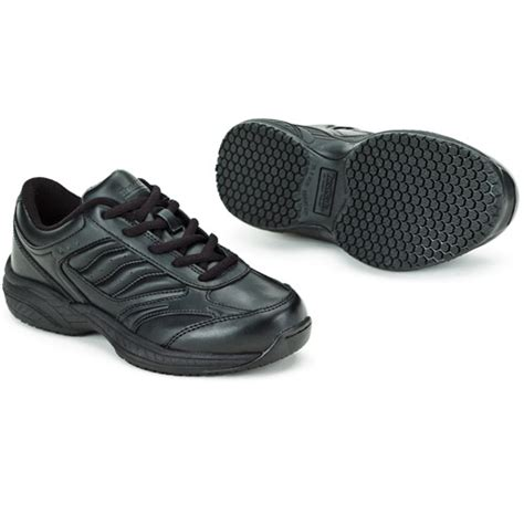 tredsafe bailey s slip resistant athletic shoe