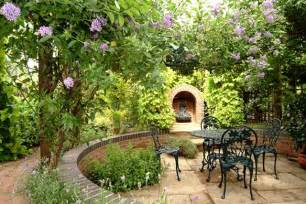 Design Ideas For Small Gardens Free Stuff She Club Small Garden Design Ideas