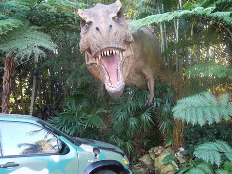 jurassic park car trex file a t rex and car jurassic park universal orlando jpg