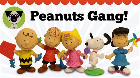 peanuts figure set snoopy brown and friends