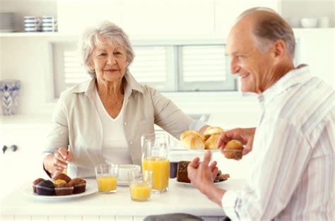alimentazione anziano dieta soggetto anziano 1810 kcal con adeguato apporto