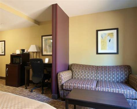 comfort suites burlington nc comfort suites burlington south whitsett nc aaa com