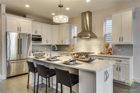 No Chandelier In Dining Room Home Staging For Investors Archives Chicagoland Home Staging