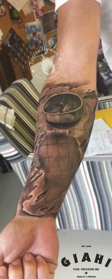 tatouage boussole sur cr 226 ne inkage