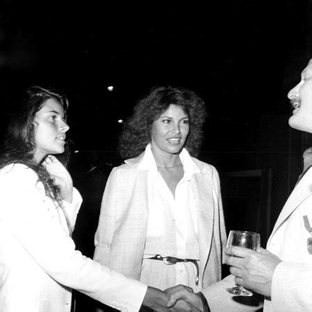 raquel welch daughter photos raquel welch and her daughter tanya at the improvisation