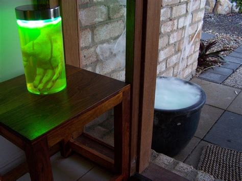 build your own fluorescent light how to make your own glowing green fluorescein