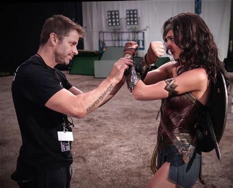 Superman Bathroom Set New Gal Gadot Wonder Woman Lasso Image From Batman Vs
