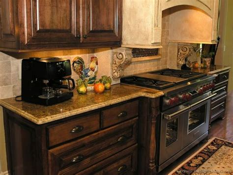 Kitchen Paint Colors With Walnut Cabinets Country Kitchen Backsplash Ideas With Walnut Cabinets