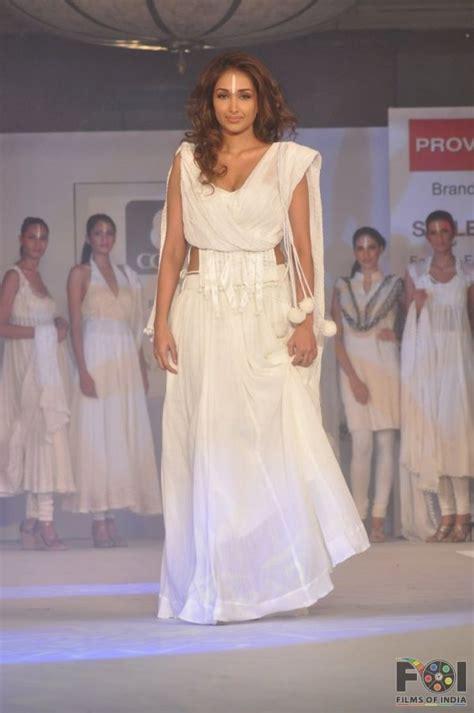 Shiny Fashion Tv The Style Council Is Back by Jiah Khan Cotton Council Fashion Show In Mumbai 05