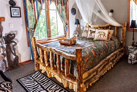 The Lodge At Grant S Trail Rooms Rates St Louis Mo Safari Room