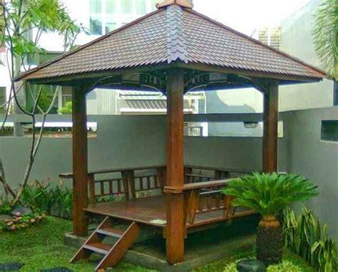 desain gazebo depan rumah saung taman minimalis dari bahan bambu
