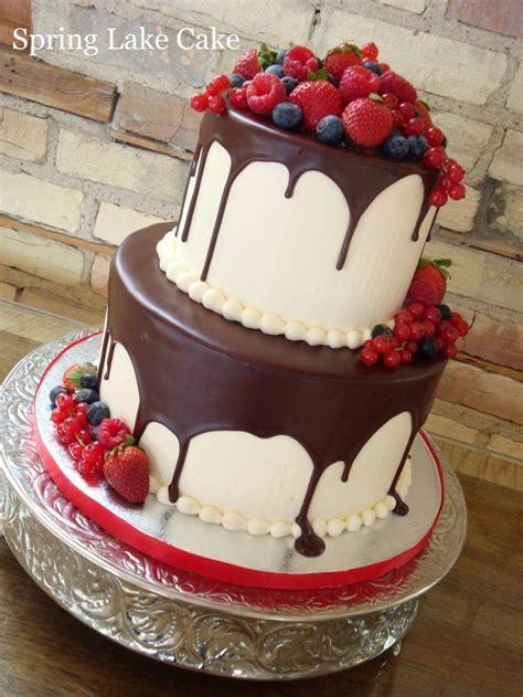 friends birthday     lot  cakes pinterest cakes drip cakes