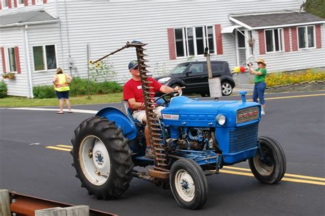 elder ford of ta sandyston puts tractors on parade news tapinto