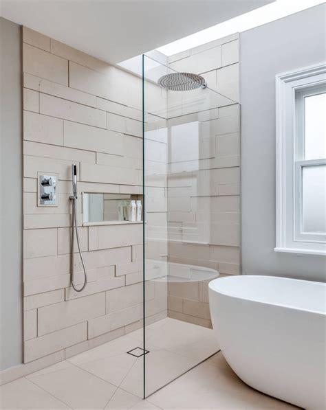 duschkabine ebenerdig eine moderne t 252 rlose duschkabine im badezimmer