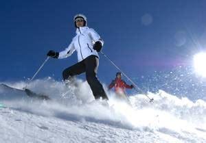 winterurlaub in den bergen hütte hotel sarntal bozen