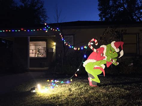 grinch  stealing  christmas lights grinch