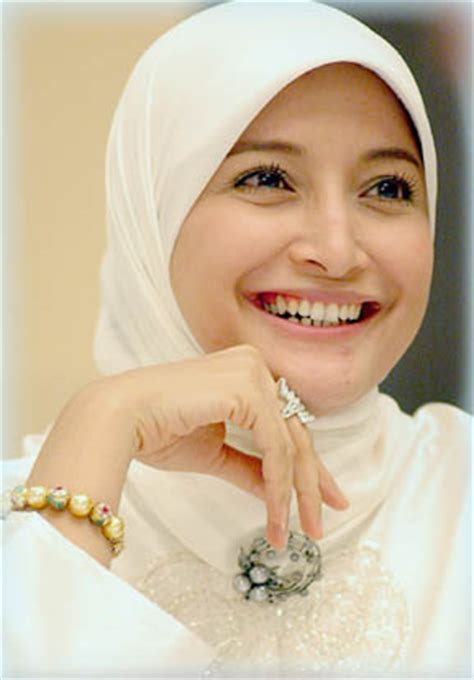 Model Jilbab Marshanda Indonesia