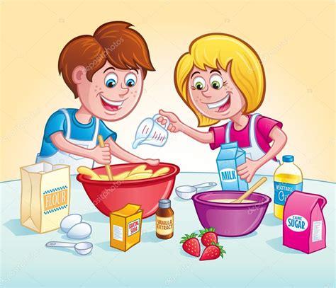 imagenes niños cocinando ni 241 os mezclar una receta en la cocina fotos de stock
