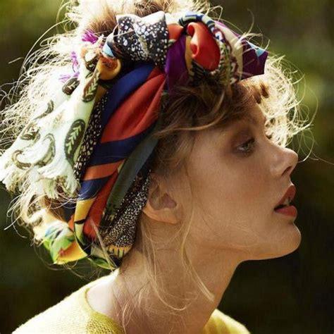 comment porter un bandeau dans les cheveux comment porter le foulard dans les cheveux avec style