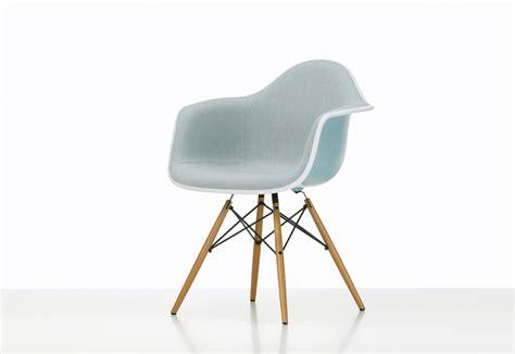 eames plastic armchair eames plastic armchair daw by vitra stylepark soapp culture