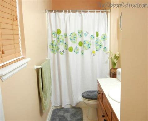 Simple Shower Curtains How To Change The D 233 Cor Of Your Bathroom With A Simple Diy Shower Curtain 15 Ideas