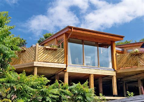 self catering luxury holiday lodges hot tubs perranporth
