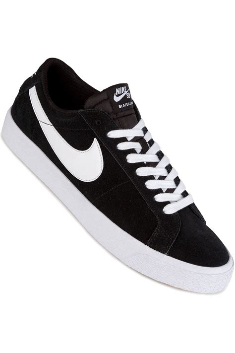 Baju Nike Sb Original nike sb zoom blazer low shoes black white buy at skatedeluxe