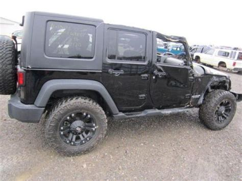 jeep wrangler wrecked sell used 2010 wrangler wrecked rebuildable damaged