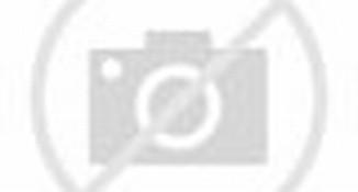 ... Unggah Foto Berenang Tanpa Sehelai Benang di Kolam, Netizen Berdebat