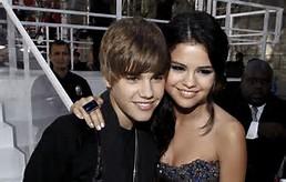 ... Couples de stars Justin Bieber et sa copine Selena Gomez ensemble