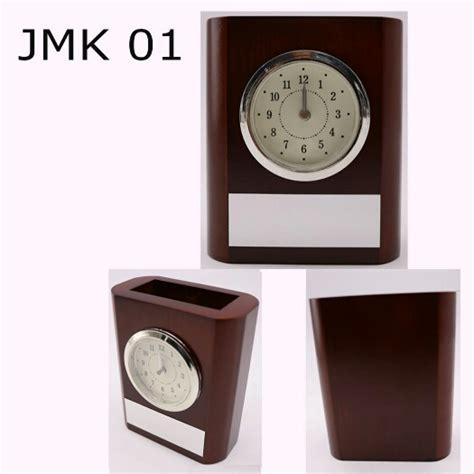 Jam Meja Kayu jam meja kayu 01 tokomerchandise tokomerchandise
