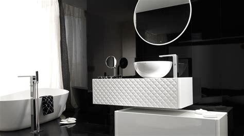 des id 233 es d 233 co pour une salle de bains en noir et blanc