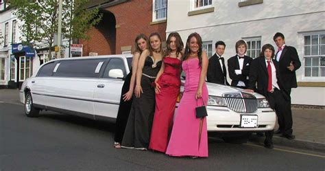 Prom Limo by Selecting Transportation For Special Events