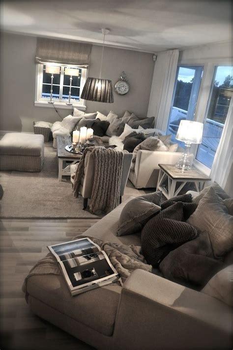 awkward living room needs decorating help worldly gray interi 248 r blogg villa paprika living room pinterest